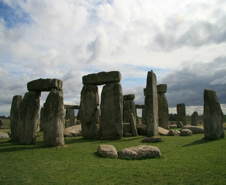 W.W stonehenge 1